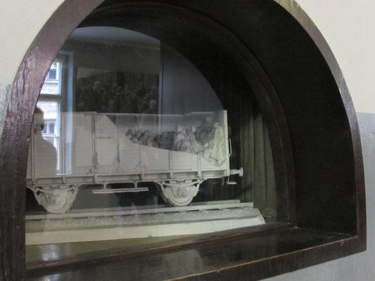 Modell eines befüllten Waggons