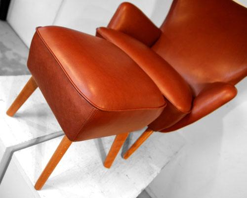 Wir organisieren auch einen passenden Hocker welcher bei dem org. Sessel leider nicht vorhanden war.