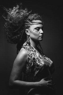 shooting artistique a ollioule avec juliette debost, maquillage amanda pierquin
