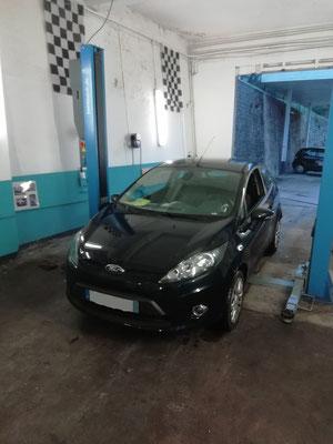 Remplacement roulement avant + achat de 2 pneus - Ford Fiesta