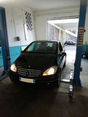 Entretien annuel + achats de deux pneus - Mercedes Classe A