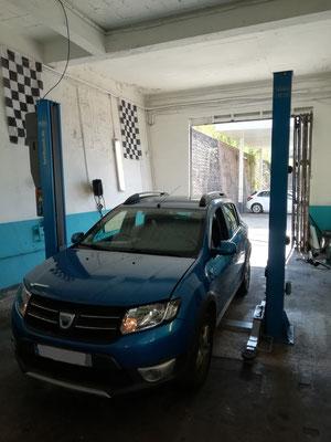 Remplacement kit distribution + pompe à eau + courroie accessoire - Dacia Sandero Stepway