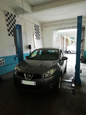 Remplacement disques et plaquettes avant + roulement - Nissan Qashqaï