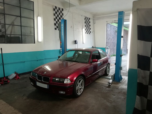 Remplacement radiateur moteur / ventilateur / pompe à eau / boîtier d'eau - BMW SERIE 3