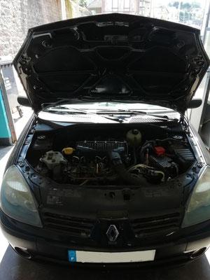 Kit distribution/pompe à eau/courroie accessoire - Renault Clio II