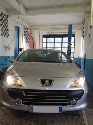 Remplacement ampoules feux de croisement - Peugeot 307 CC
