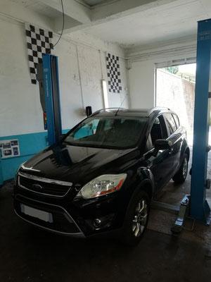 Remplacement kit distribution + pompe à eau + courroie accessoire - Ford Kuga