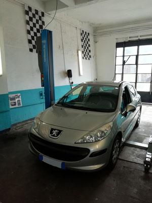 Remplacement kit distribution + pompe à eau + courroie accessoire - Peugeot 207