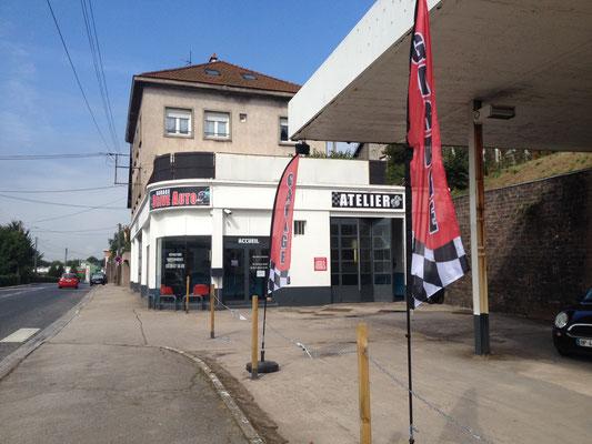 Accès facilité par un parking - Garage Drive Auto Saint-Dié-des-Vosges
