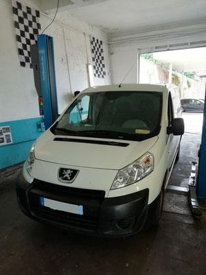 Achats de vos pneus au garage Drive Auto = Montage/équilibrage offerts HANKOOK été sur Peugeot Expert