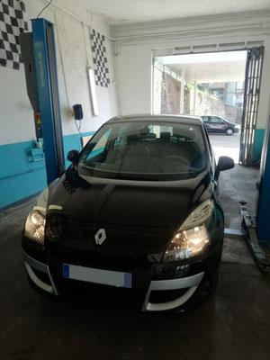Entretien complet + remplacement courroie accessoire - Renault Scénic III