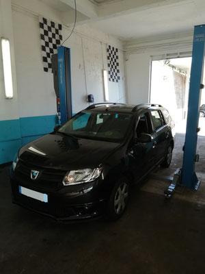 Entretien complet + achat de 4 pneus - Dacia Logan MCV