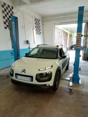 Pneus quatre saisons achetés au garage Drive Auto = Montage équilibrage offerts - Citroën Cactus