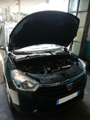 Kit distribution/pompe à eau/courroie accessoire + remplacement rotule inférieur + barres stabilisatrices - Dacia Lodgy