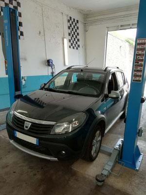 Remplacement kit distribution/pompe à eau/courroie accessoire + biellettes barres stab AV - Dacia Sandero Stepway
