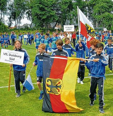 Gut 800 Kinder und Jugendliche strömten in das Hermann Wisser Stadion