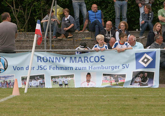 """""""Unser"""" Bundesligaspieler Ronny Marcos konnte leider nicht persönlich kommen. Er war auf Länderspielreise mit Mosambik."""