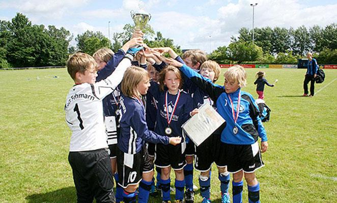 Als drittes Team von Fehmarn holte die E den Pokal