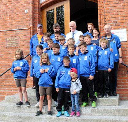 """Die NSG Donauauen von Hermann """"SAM"""" Rathmayer bei Bürgermeister Otto Uwe Schmiedt"""