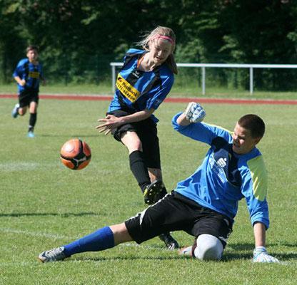 DIE Chance. Joerle Schmahl scheiterte im Halbfinale (0:1) an Borstel-Keeper Sebastian Albrecht.