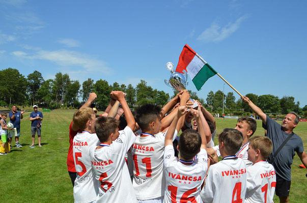 Die Pusztajungs holten bereits den fünften Titel seit 2013 für die Magyaren