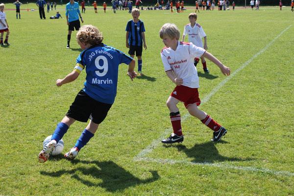 3:1 gegen Detmold, 2:1 gegen Finalist E. Lüneburg - 1:6 gegen Cupgewinner Fintau. Dadurch von Eins auf Drei gefallen. Gegen St.Jürgen war dann Endstation für die E I.