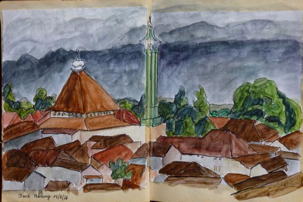 les vieux toits de Malang et le massif du Bromo