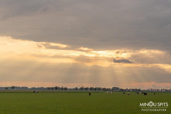 Mooie zonsondergang in het Brabantse land waar het leven goed is :)