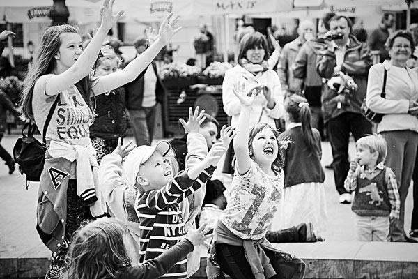 Spelende kinderen Krakau, Polen