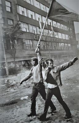 Photo: Josef Koudelka - Invasion 68