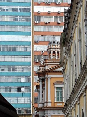 Spannende Gegensätze im Stadtbild