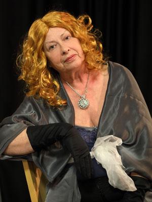 Polly Benish - Brigitte Kapp