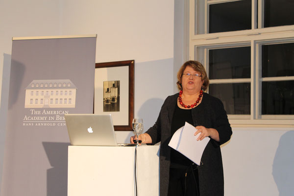Prof. Aili Mari Tripp (University of Wisconsin)