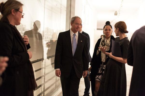 F.l.t.r.: U.S. Ambassador John B. Emerson, Romney Müller-Westernhagen, Alina Heinze (Director Museum THE KENNEDYS)