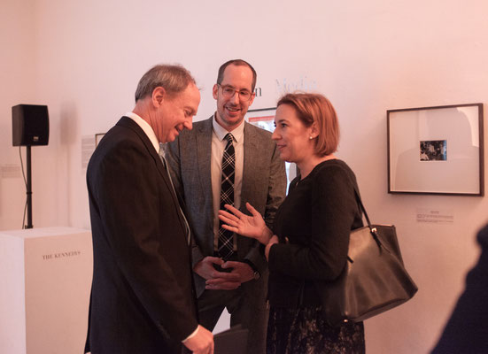 F.l.t.r.:  U.S. Ambassador John B. Emerson, Christoph Niemann (Illustrator, Artist, and Author), and Lisa Zeitz (Chief Editor Weltkunst)