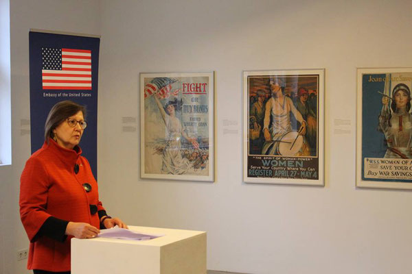 Eröffnungsrede von Michelle Logsdon (Kulturattachée US-Botschaft Berlin)