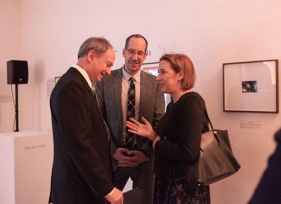 V.l.n.r.: US-Botschafter John B. Emerson, Christoph Niemann (Illustrator, Künstler und Autor) und Lisa Zeitz (Chefredakteurin Weltkunst)