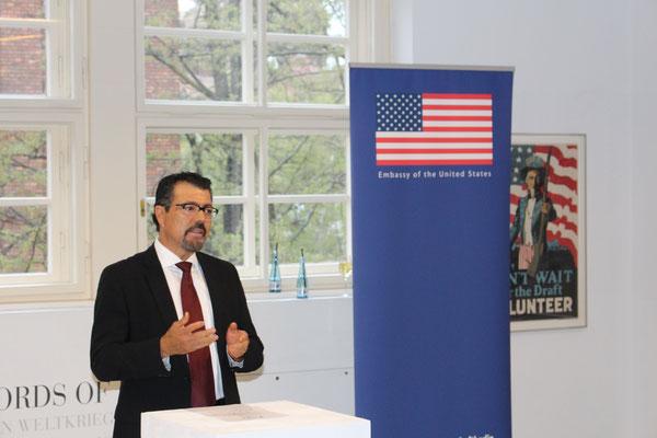 Ansprache von Ramiro Salazar (Direktor San Antonio Public Library)