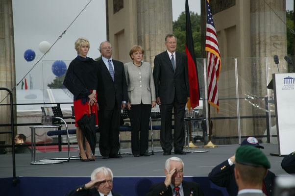 Sue Timken, US-Botschafter William R. Timken, Jr., Bundeskanzlerin Angela Merkel, ehemaliger US-Präsident George W. Bush
