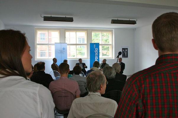 Podiumsgespräch mit Dr. Birgitta Ringbeck, Dr. Michael Müller-Karpe, Rodolf Gundlach, Prof. Dr. Mamoun Fansa · Moderation Harald Asel (Inforadio)