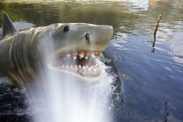 """Universal Studios - The """"Real"""" Jaws"""
