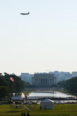 Washington DC - Plane over the Mall