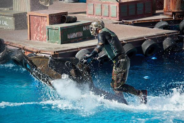 Universal Studios - Waterworld Show