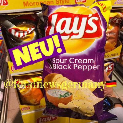 Lay's Sour Cream & Black Pepper