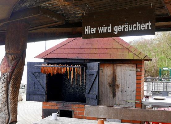 Mittag am Hafen von Tarnewitz Weiße Wiek