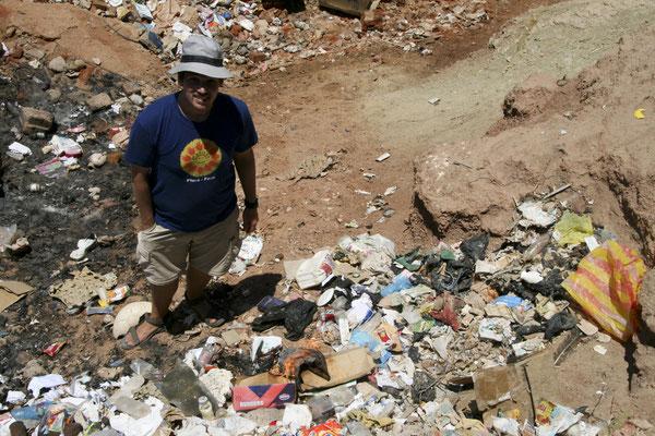 Den Abschluss der Sammlung bildete das verbrennen des Mülls.