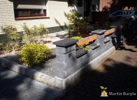 Pflaster und Natursteinarbeiten + Natursteinmauer mit Holz