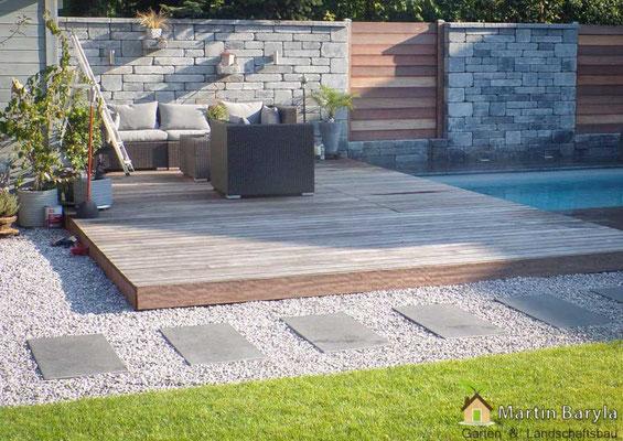 Holzsteg Solarium für Swimmingpool