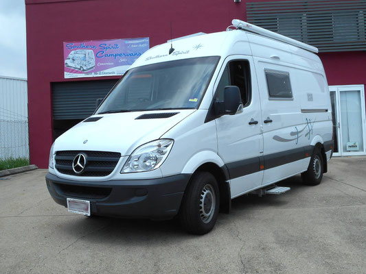 Compact Mercedes Sprinter RV
