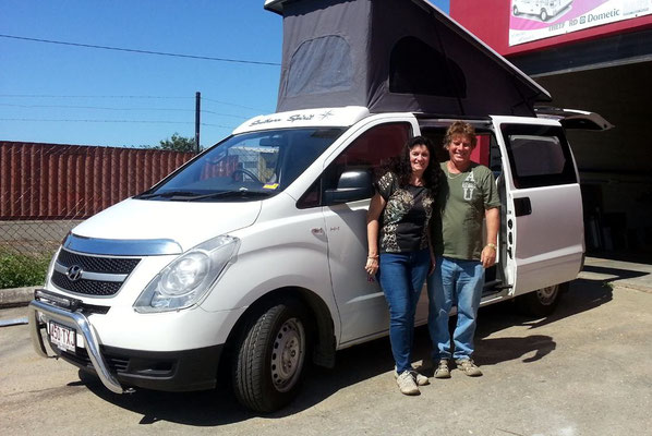 handing over the bew Iload campervan